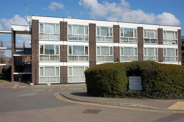 2 bed property to rent in Burwood Court, Goldlay Avenue, Chelmsford CM2
