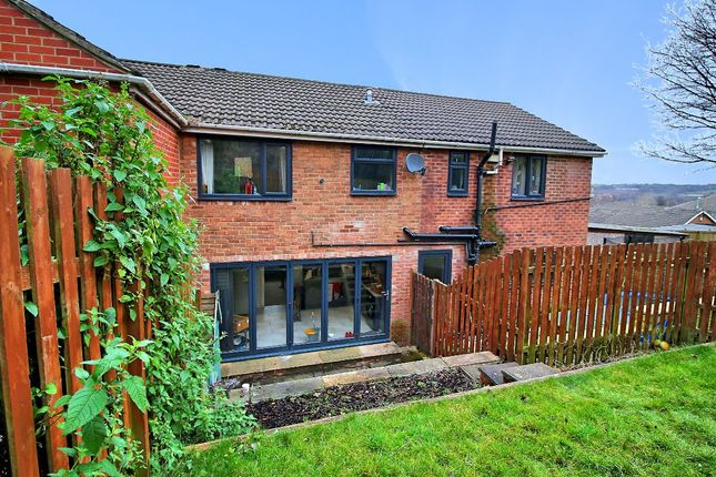 Thumbnail Town house for sale in Ashbourne Way, Cleckheaton