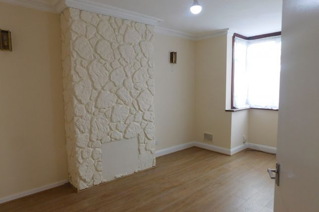 Thumbnail Semi-detached house to rent in Uxbridge Road, Hayes