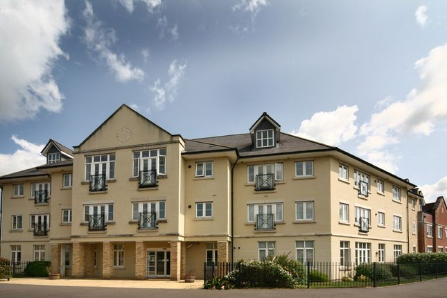Thumbnail Flat for sale in Sackville Way, Camborne (Cornwall)