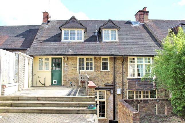 Thumbnail Flat to rent in Watling Street, Radlett, Hertfordshire