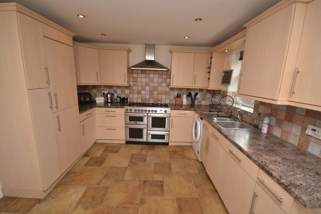 Thumbnail Detached house to rent in Highfield Road, Purley