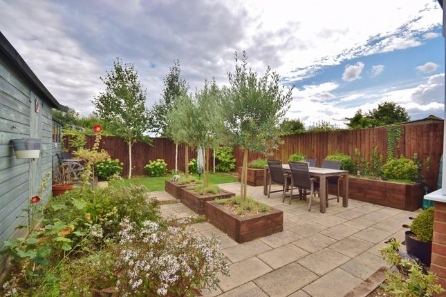 Thumbnail Bungalow for sale in Berg Estate, Basingstoke