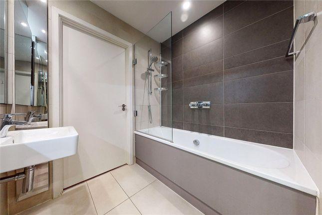 Bathroom of Reliance Wharf, Hertford Road, London N1