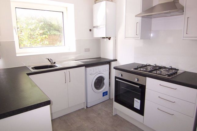 Thumbnail Property to rent in Linden Grove, New Malden