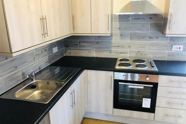 Thumbnail Flat to rent in High Street, Edwinstowe, Mansfield