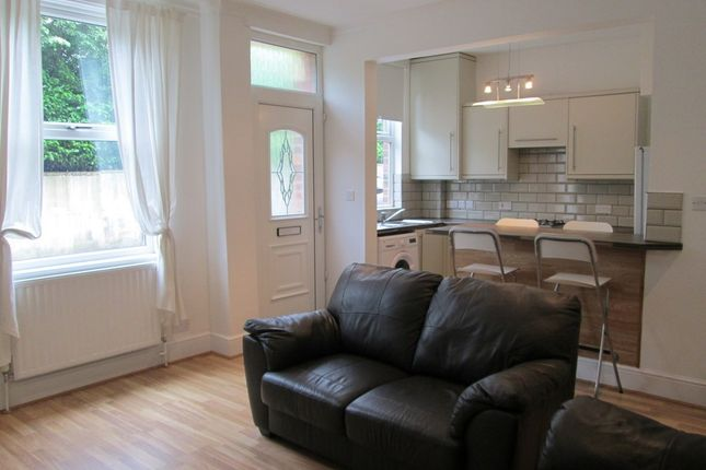 Thumbnail Property to rent in Salisbury Grove, Leeds, Leeds