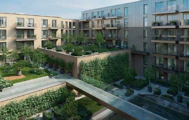 Thumbnail Flat for sale in Queen's Wharf, London