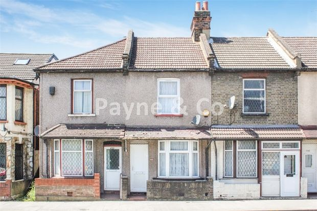 Thumbnail Cottage for sale in Ilford Lane, Ilford, Essex