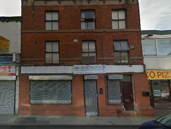 Thumbnail Flat to rent in Old Street, Ashton Under Lyne