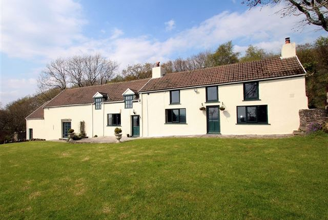 Thumbnail Farmhouse for sale in Bryntail Road, Rhydyfelin, Pontypridd