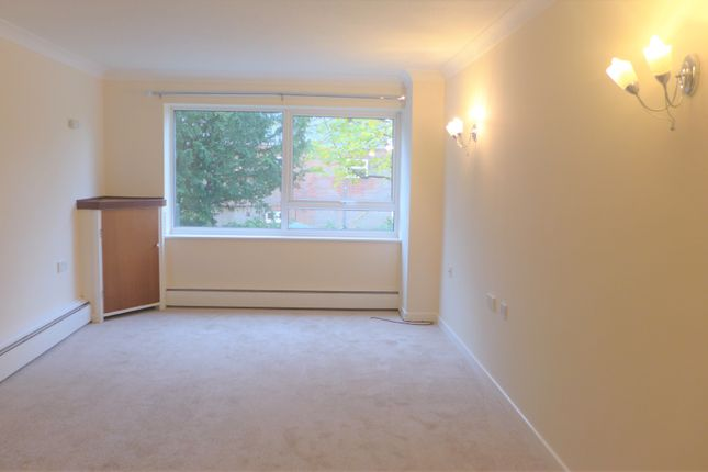Thumbnail Flat to rent in Homefield House, Barton Court Road, New Milton, Hampshire