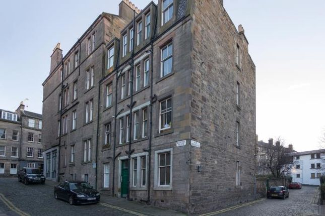 1 bed flat to rent in Barony Place, New Town, Edinburgh