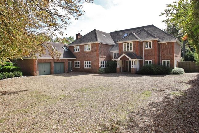 Thumbnail Detached house for sale in Flowers Hill, Pangbourne, Reading