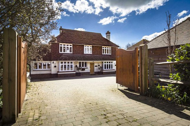 Thumbnail Detached house for sale in London Road, Southborough, Tunbridge Wells