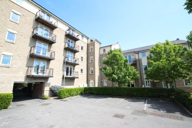 2 bed flat to rent in Thackray Court, Cornmill View, Horsforth LS18