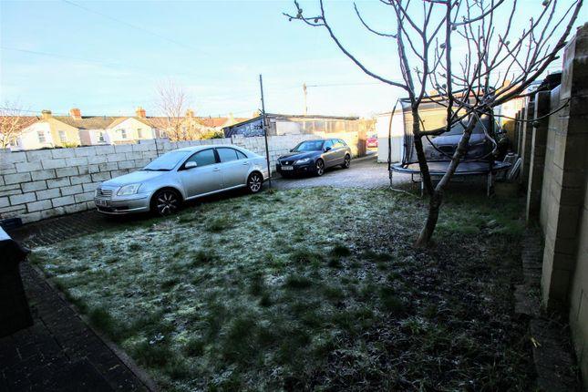 Garden & Parking