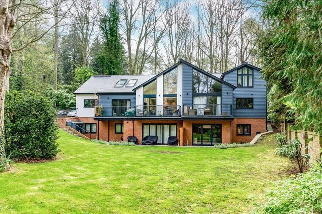 Thumbnail Flat for sale in New Road, Digswell, Welwyn