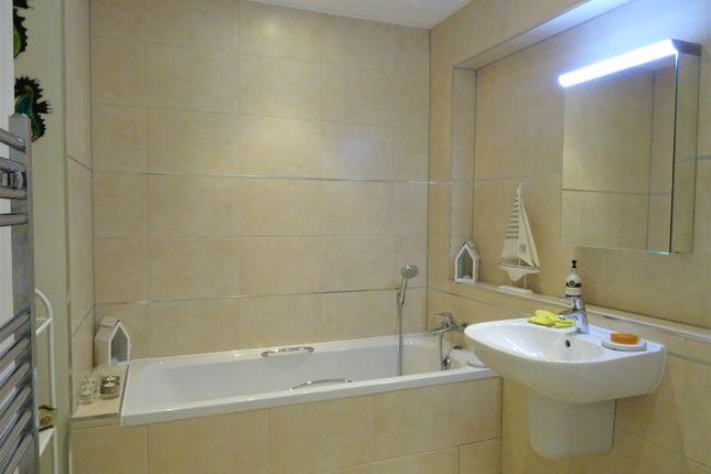 Bathroom of 12 Hopkins Court, Matlock DE4