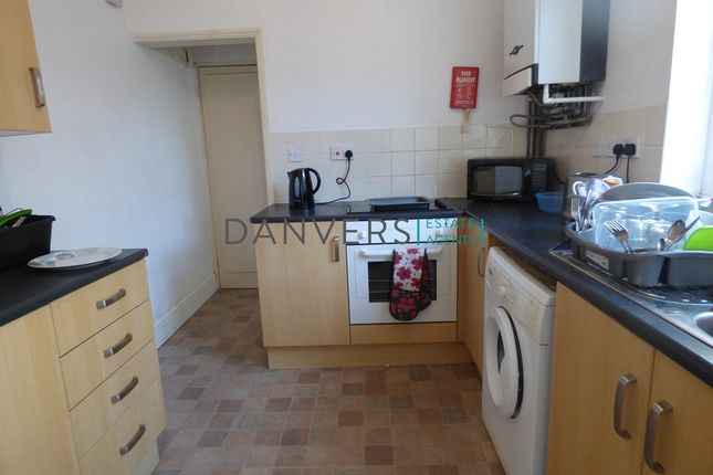 Detached house to rent in Hazel Street, Leicester
