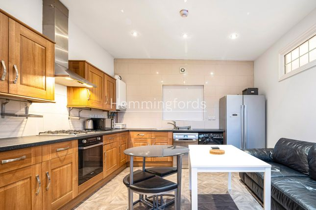 Thumbnail Flat to rent in Camden Road, London