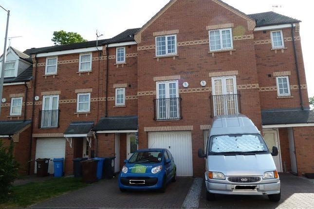 Thumbnail Town house to rent in Philip Larkin Close, Inglemire Lane, Hull