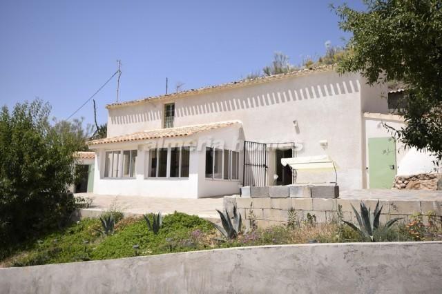 4 bed country house for sale in Cortijo Yolanda, Albox, Almeria