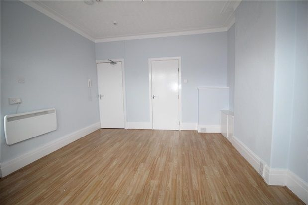 Flat to rent in 6 Watson Road, Blackpool