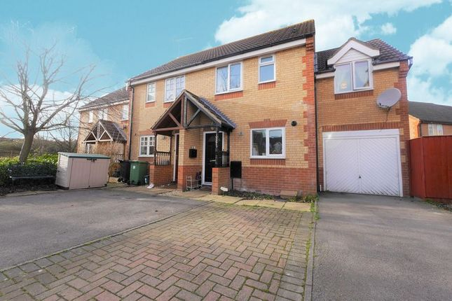 Thumbnail Semi-detached house to rent in Exe Close, Didcot