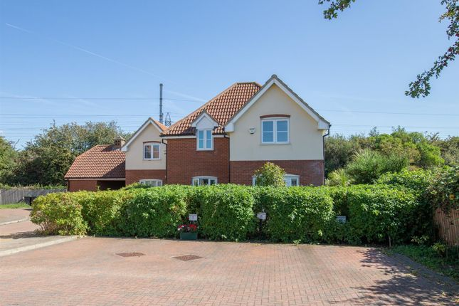 Thumbnail Flat for sale in Bryson Close, Westoning, Bedford