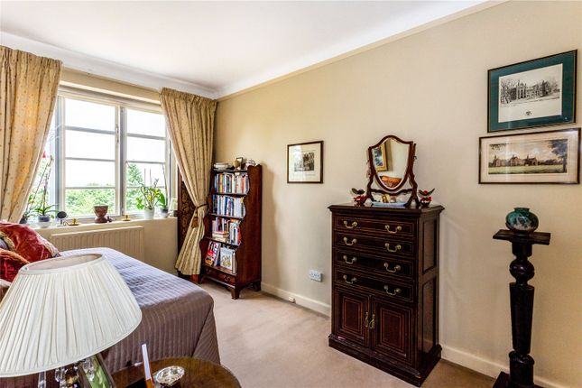 Picture No. 43 of Exeter House, Putney Heath, London SW15