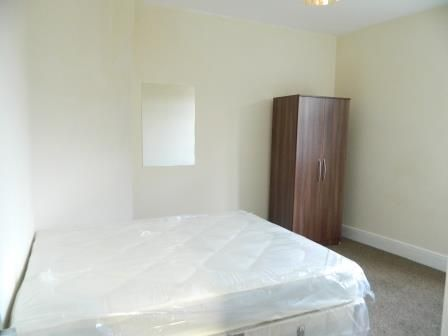 Thumbnail Shared accommodation to rent in Far Gosford Street, Coventry
