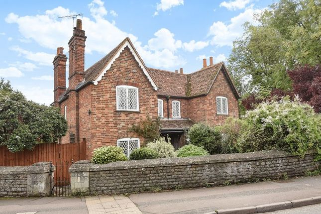 Thumbnail Semi-detached house for sale in Ock Street, Abingdon