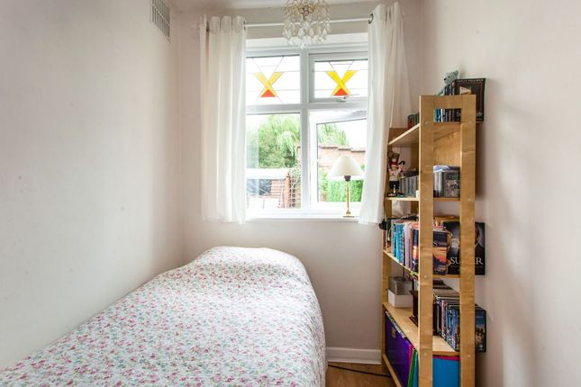 Bedroom Two of Endlebury Road, Chingford E4