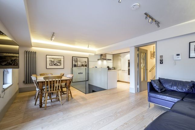 Thumbnail Flat to rent in Monkwell Square, London