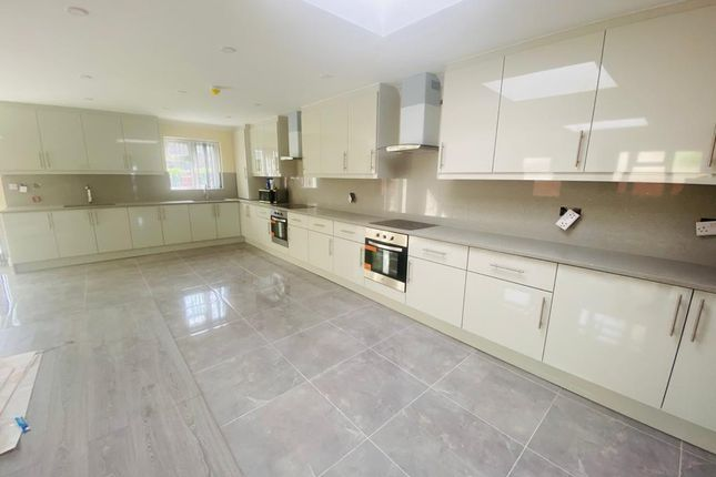 Thumbnail Semi-detached house to rent in Windsor Road, Maidenhead, Berkshire