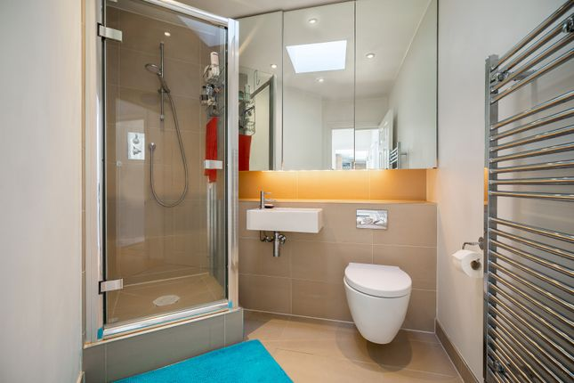 Shower Room of Langland Mansions, 228 Finchley Road, Hampstead, London NW3