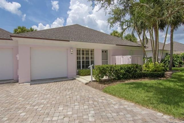 Town house for sale in 300 Harbour Drive, Vero Beach, Florida, United States Of America