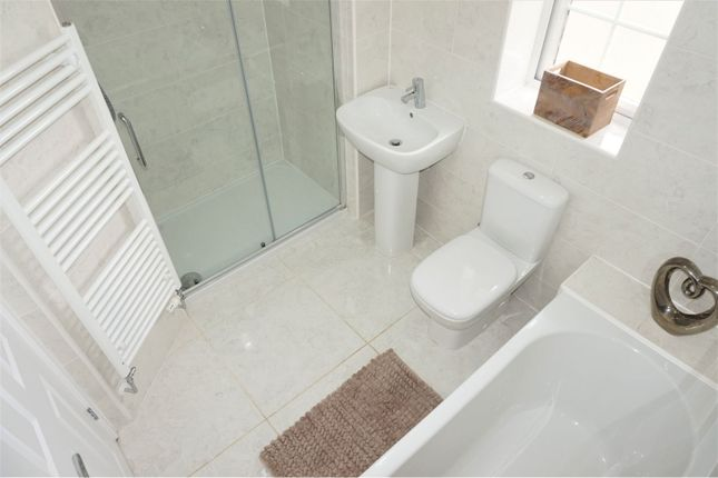 Bathroom of Aginhills Drive, Taunton TA2