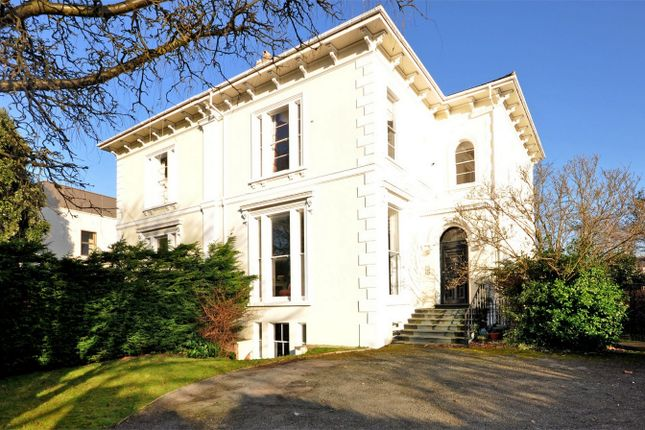 2 bed flat for sale in Pittville, Cheltenham, Gloucestershire