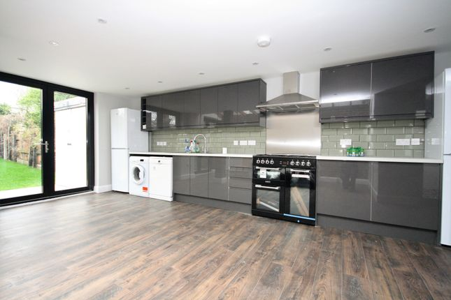 Thumbnail Terraced house to rent in Stapleton Hall Road, Finsbury Park