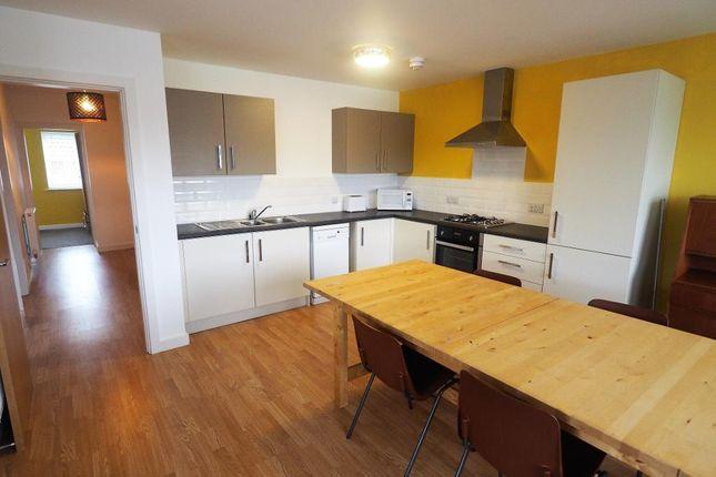 Thumbnail Flat to rent in 506 Southcoates Lane, Hull