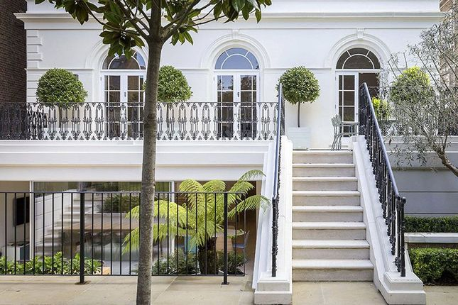 Thumbnail Property for sale in Carlton Hill, London