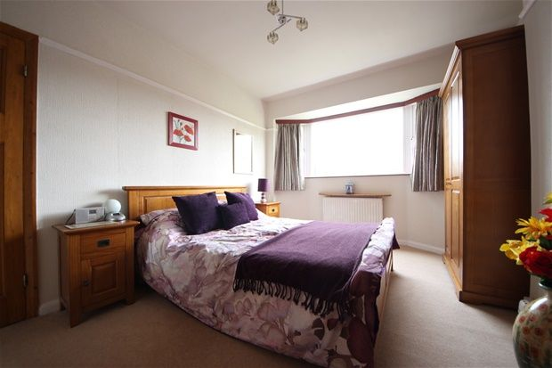 4 bed property for sale in Otford Crescent, London