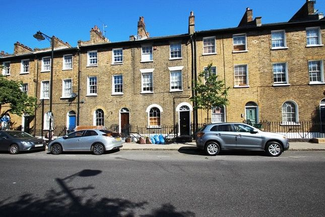 Thumbnail Flat to rent in Offord Road, Islington, London