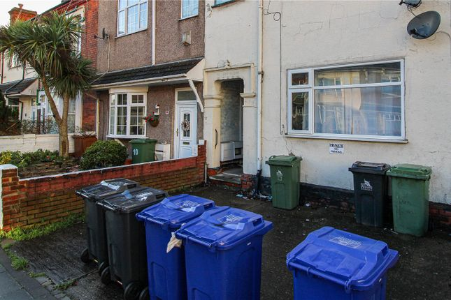 2 bed flat for sale in Park Street, Grimsby, N E Lincs DN32