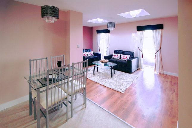 Thumbnail Flat to rent in Harrogate Road, Chapel Allerton, Leeds