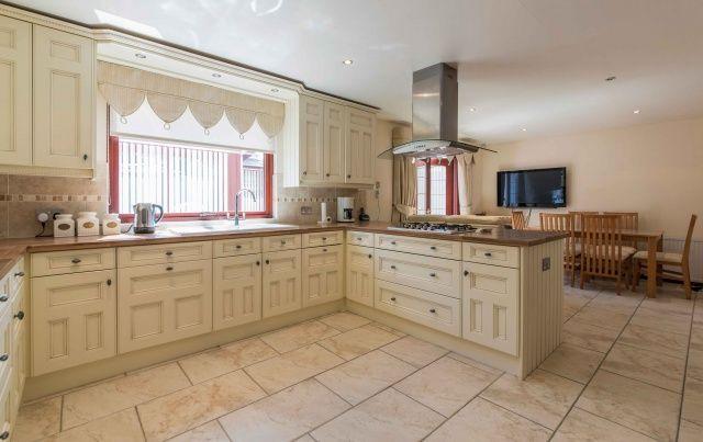 Thumbnail Bungalow for sale in 88 North Street, Aberchirder, Aberdeenshire