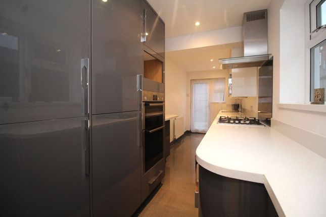 Thumbnail Terraced house to rent in St. Marys Road, Watford