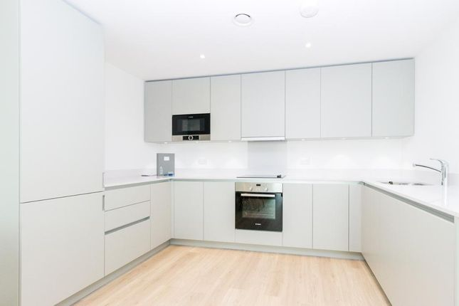 Thumbnail Flat to rent in Hooper Street, Aldgate, London